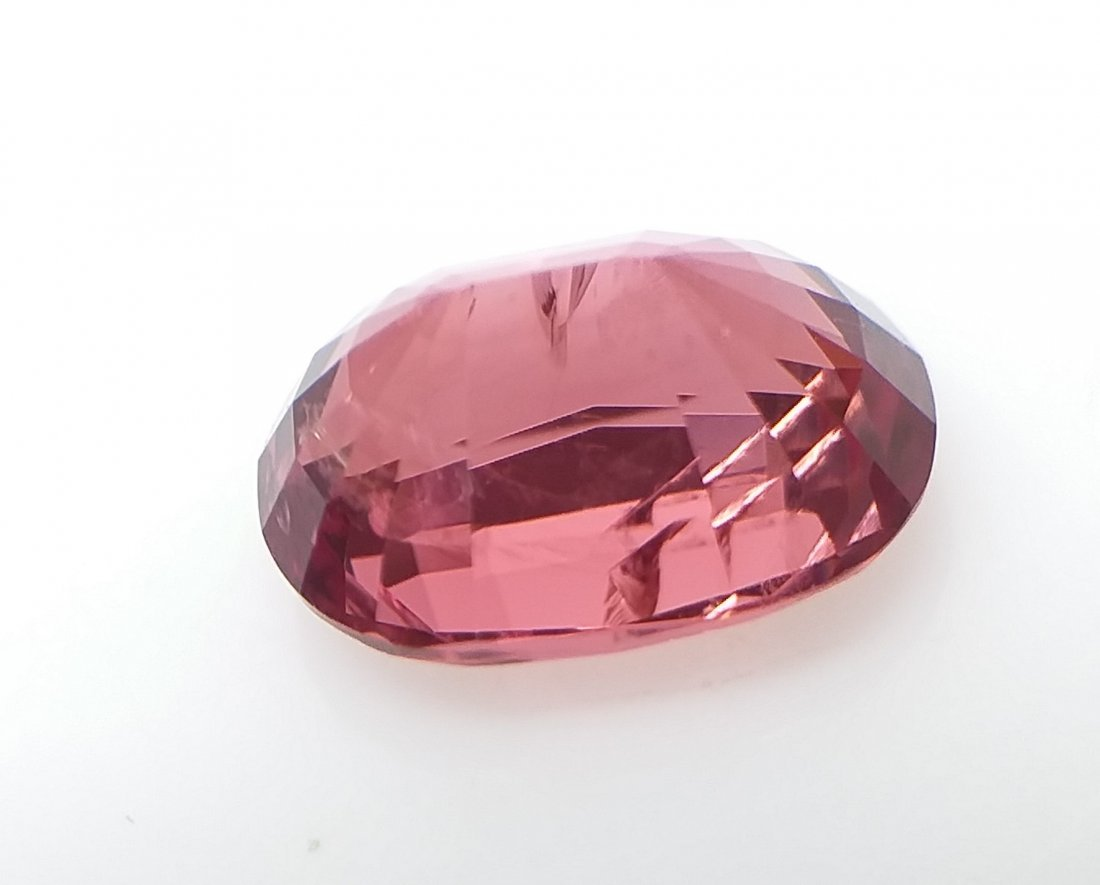 AIGS Certified Natural Spinel Orange-Pink 1.75 ct. - 4