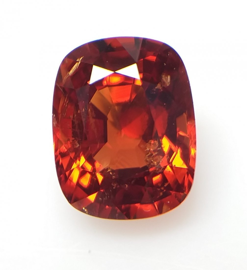 Spinel 2.75 ct. - Orange-Red - Cushion -  Natural