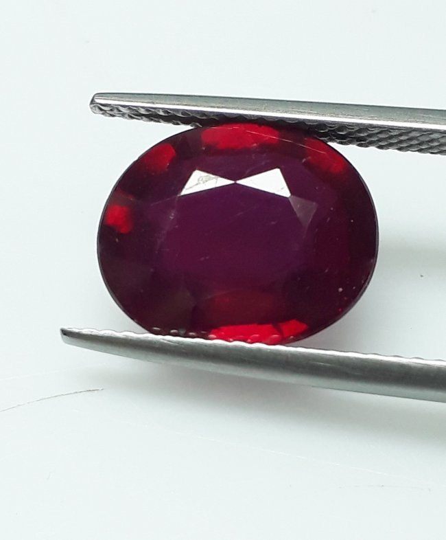 Natural Mozambique Ruby Oval - 5.10 ct. - 2