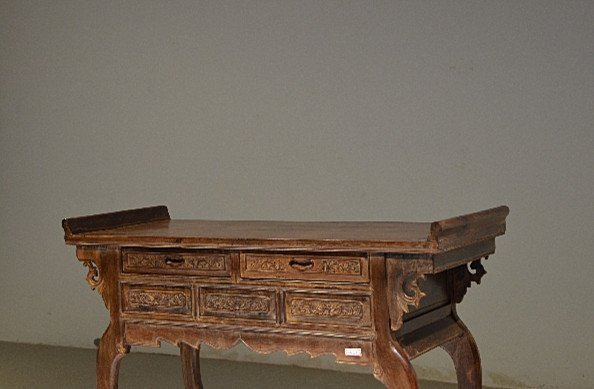 Precious Old 18th Chinese Huanghuali Wood  Side Table - 2