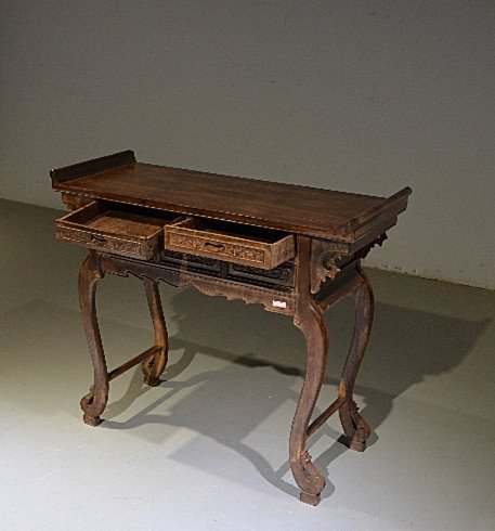 Precious Old 18th Chinese Huanghuali Wood  Side Table - 4