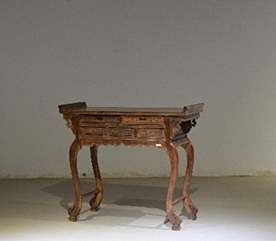 Precious Old 18th Chinese Huanghuali Wood  Side Table - 7