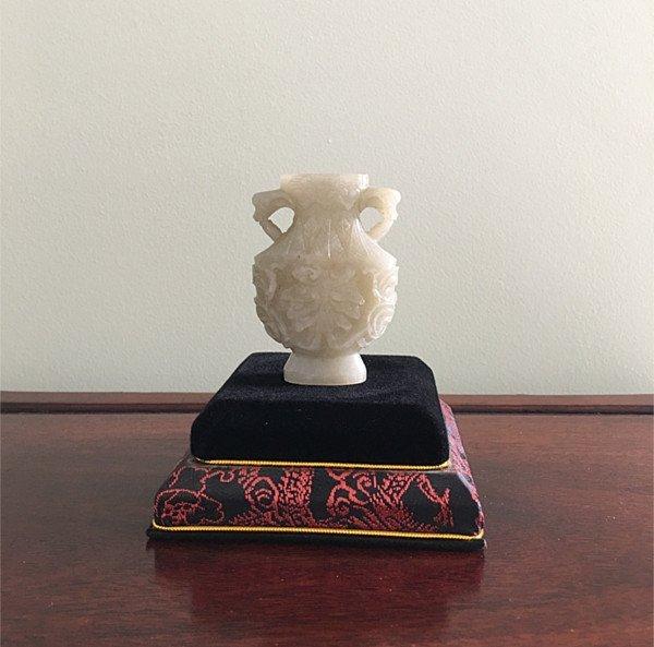 Fine Antique Chinese White / Celadon Jade vase
