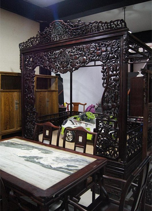 & Fine Old Chinese Rosewood Carved Canopy Bed