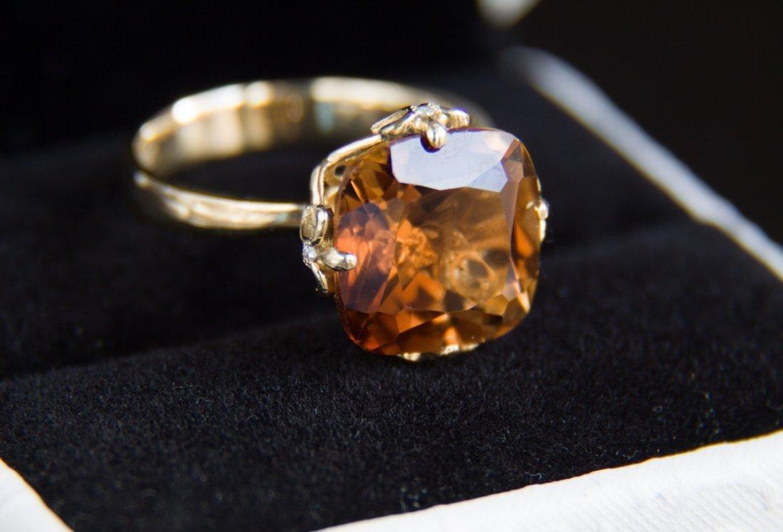 12 ct topaz - 14kt gold ring