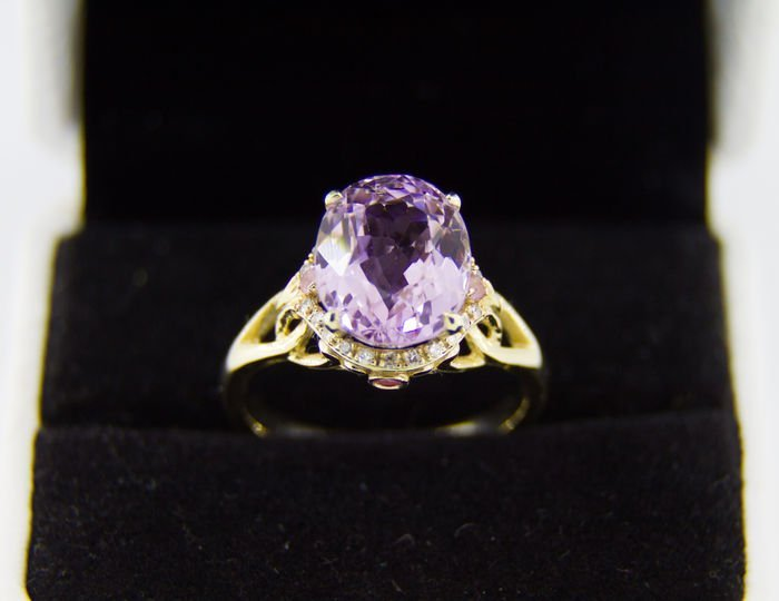 13 ct natural  kunzite ring with diamonds and sapphires