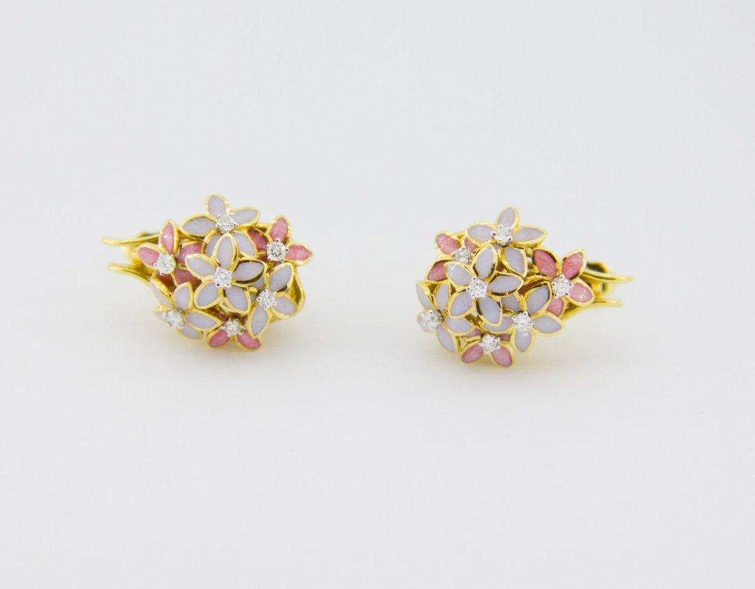 Russian designer earrings – every flower moving