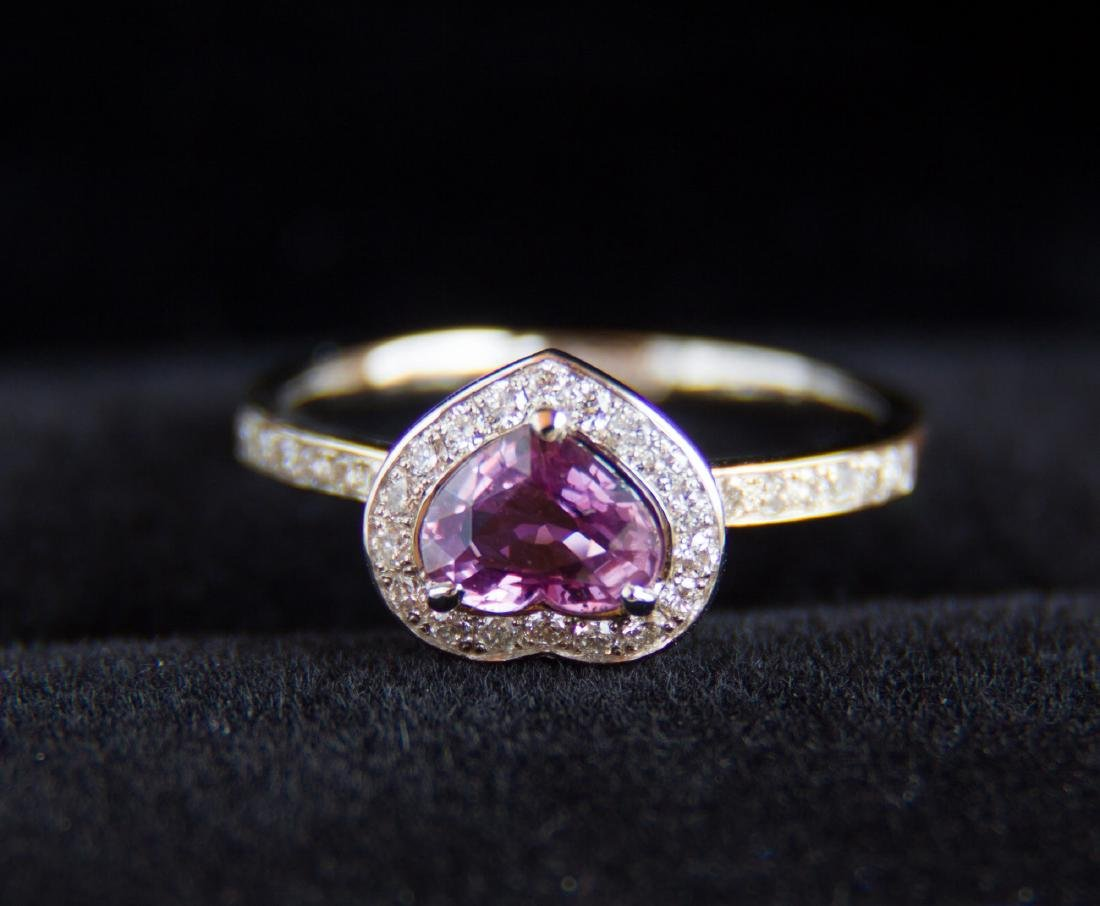 Gold ring with natural sapphire and diamonds