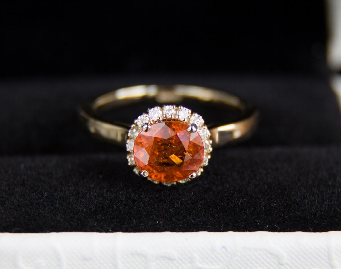 Gold ring with 1.96 ct natural spinel and diamonds