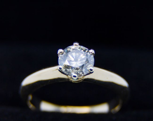 Ring with diamond 1.21 ct.  very light brown