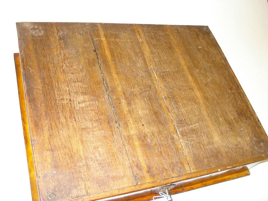 A large William & Mary walnut oyster veneered lace box - 9