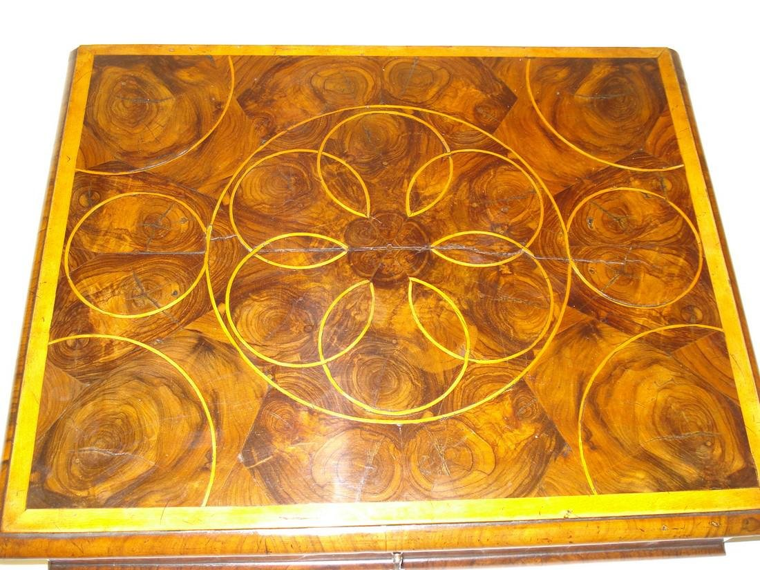 A large William & Mary walnut oyster veneered lace box - 3