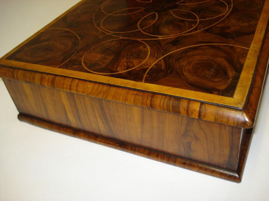 A large William & Mary walnut oyster veneered lace box - 4