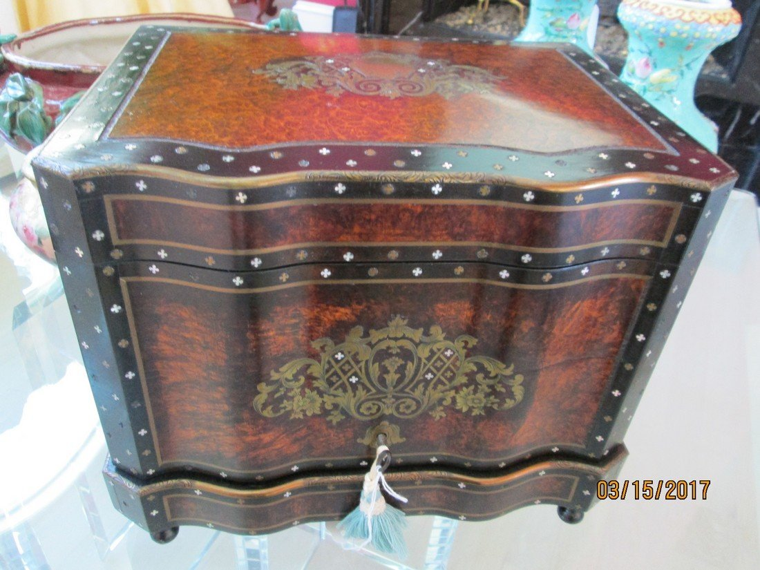 Antique French tantalus