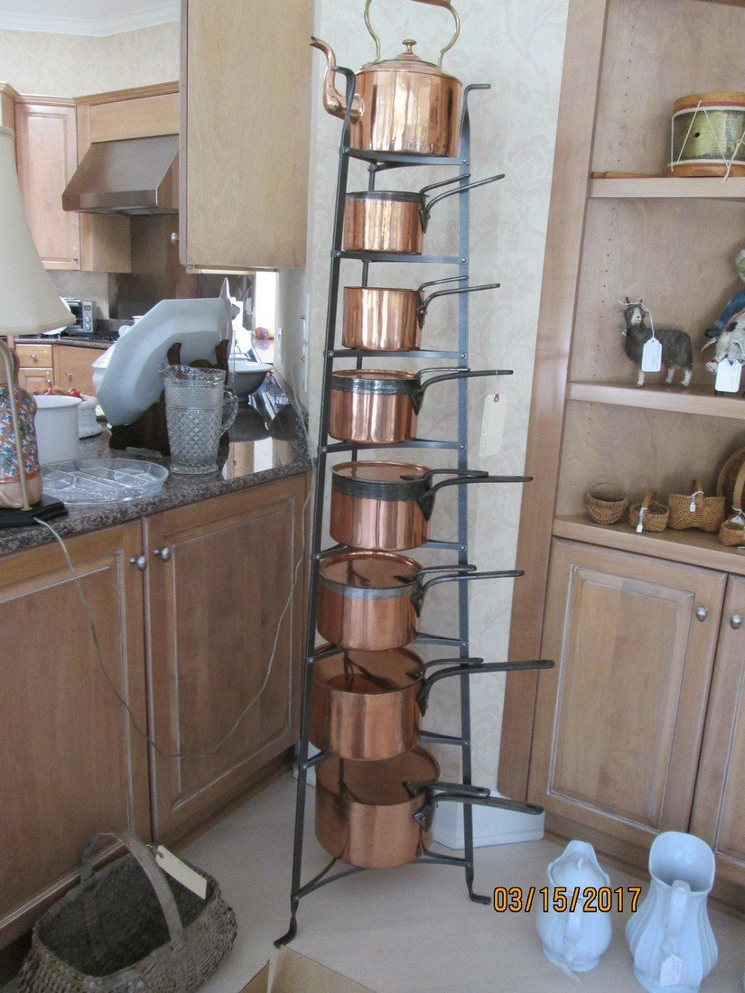 Rare pot tower and pots