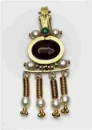 Chanel Brooch. Baroque pearls and Gripoix glass