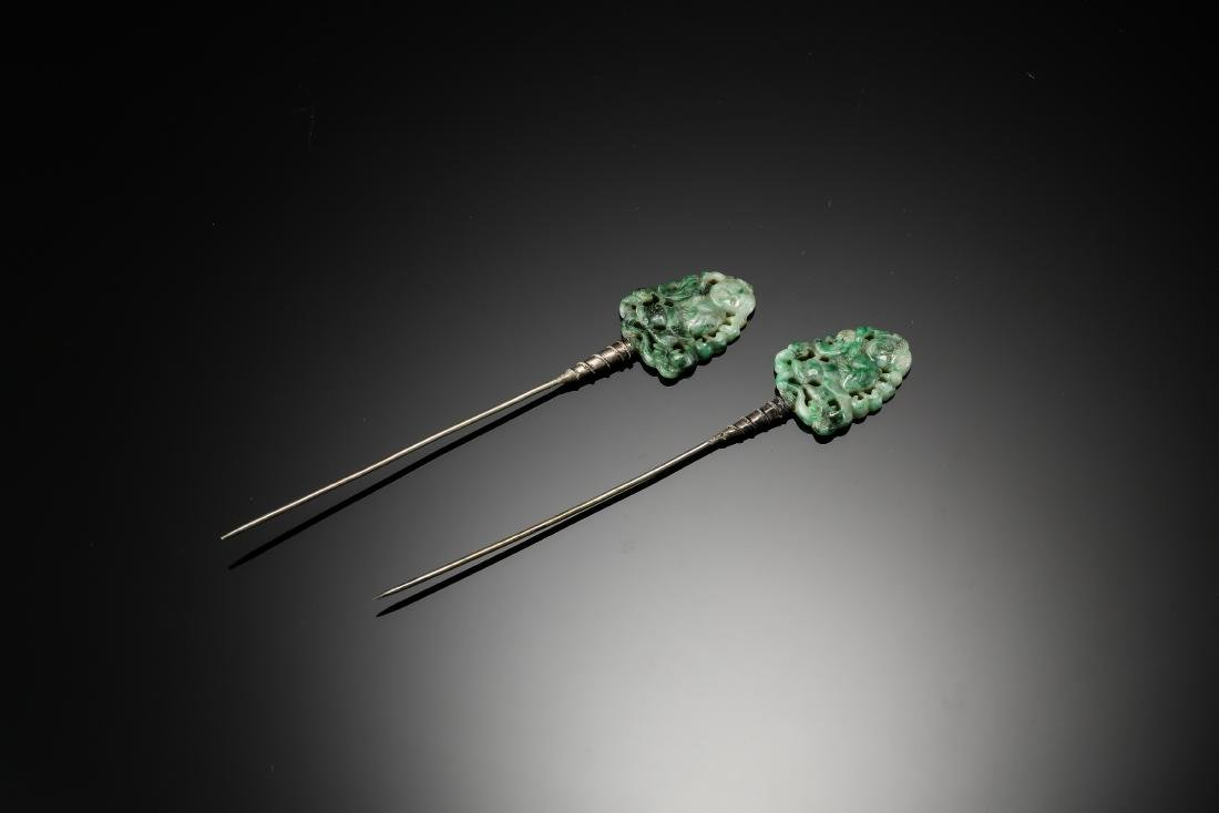A pair of gaming child jadeite with silver hair pins