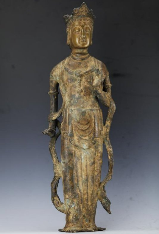 Chinese bronze figure of Guan Yin from Ming Dynasty