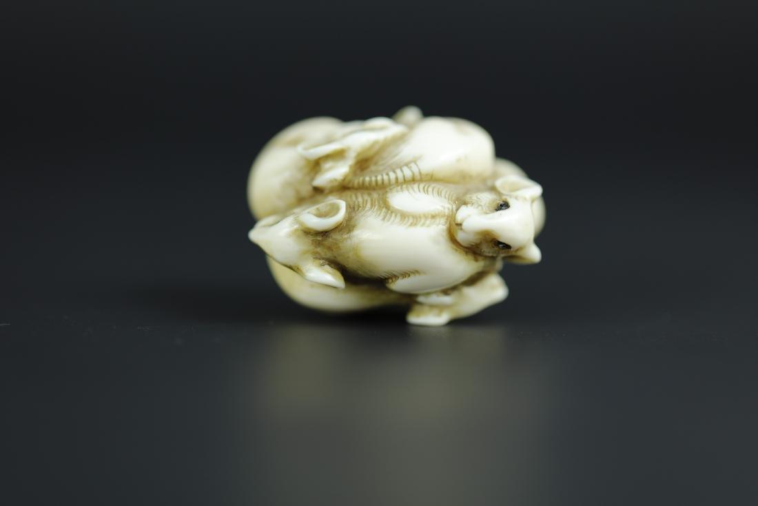 Japanese Netsuke carving of 6 mice