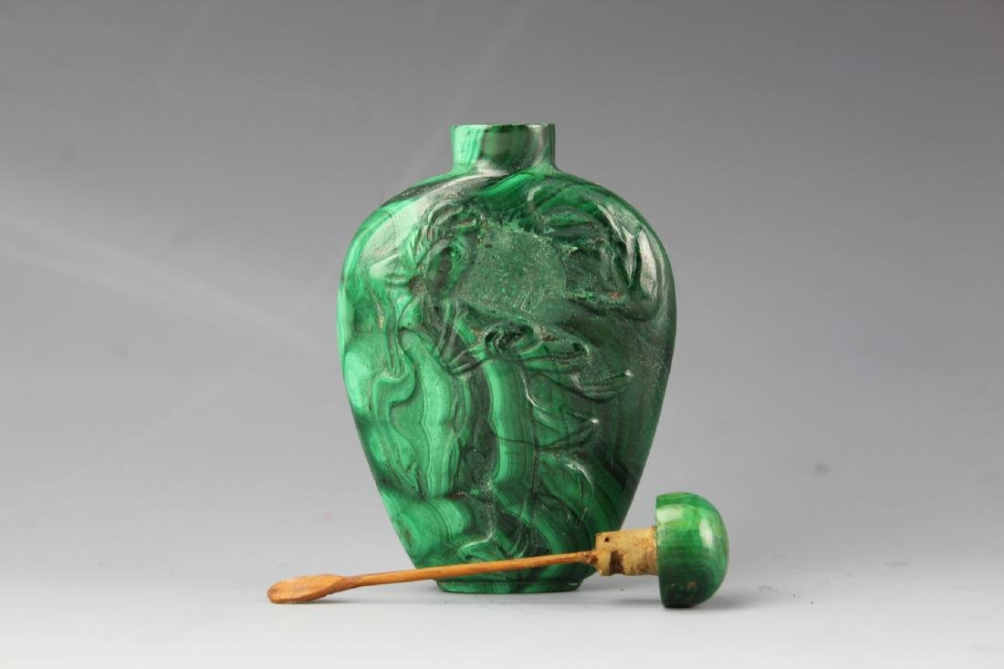 Chinese Malachite snuff bottle and stopper