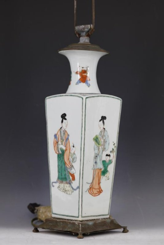 A Famille Verte Figural Square Vase Lamp from Qing