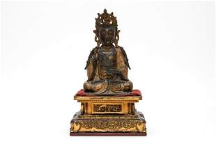 An Exquisite Gilt Bronze Guanyin Avalokiteshvara Figure