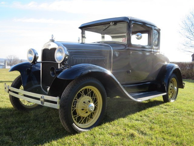 1930 Ford Coupe - 3