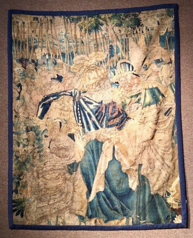 ANTIQUE EUROPEAN 17-18TH CENTURY TAPESTRY FRAGMENT
