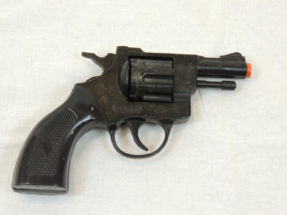 Precise .22 Starter Pistol in box like new w/Winchester
