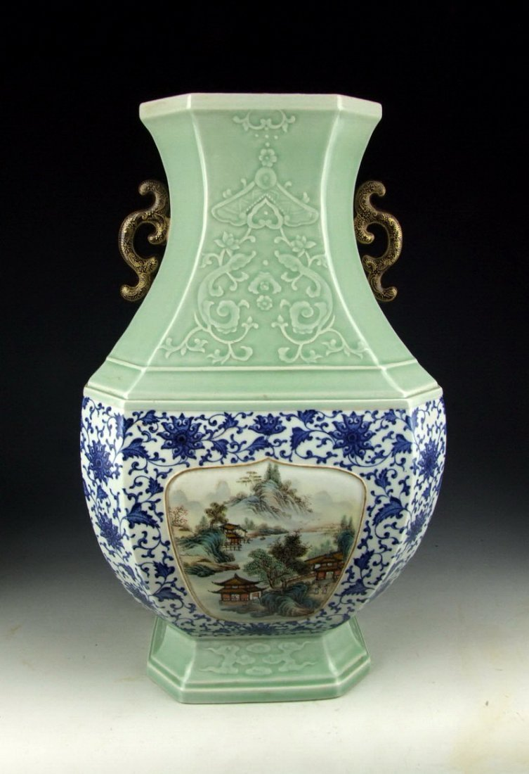 EXCEPTIONALLY RARE PORCELAIN VASE QING DYNASTY & PERIOD