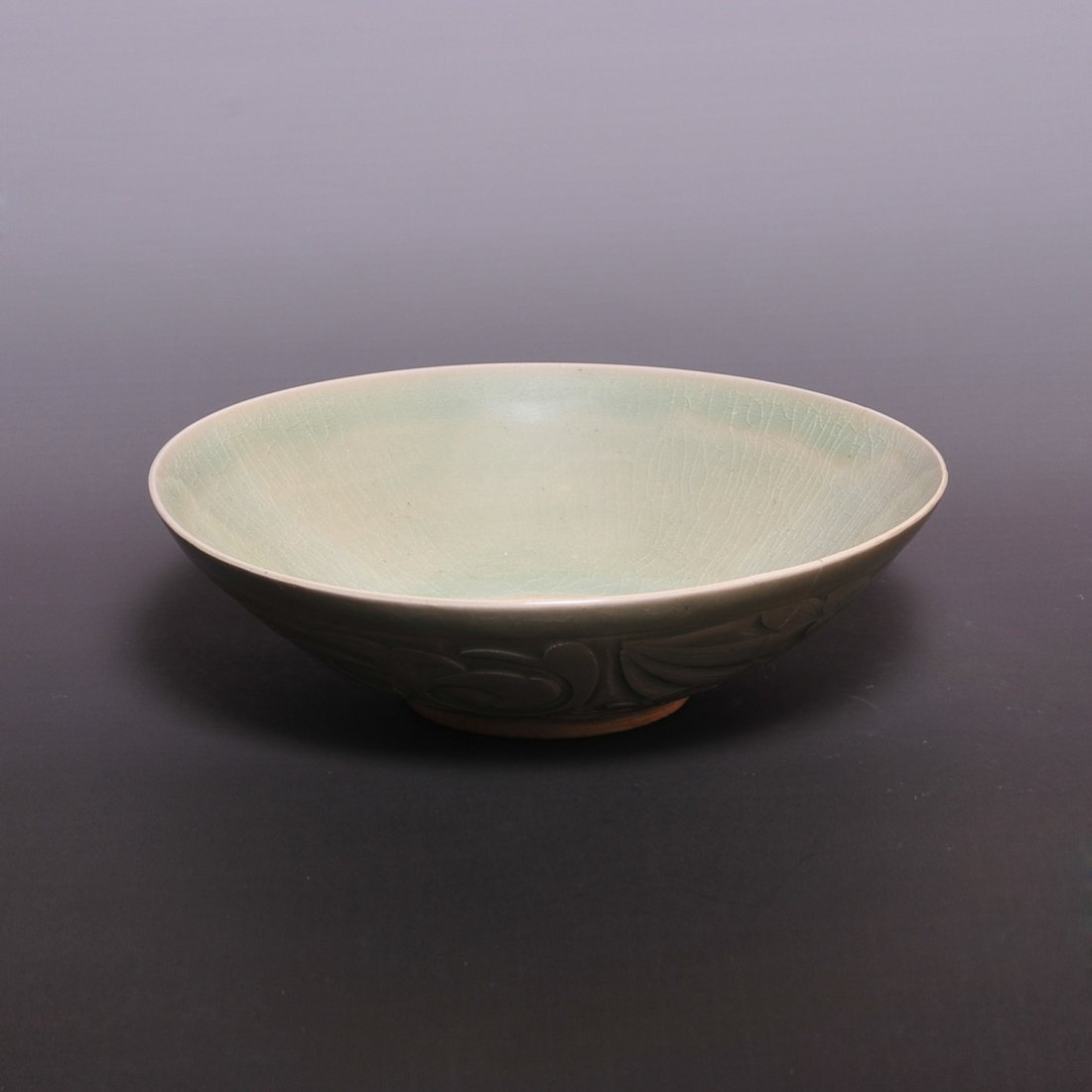Song Dynasty A Yue ware carved bowl