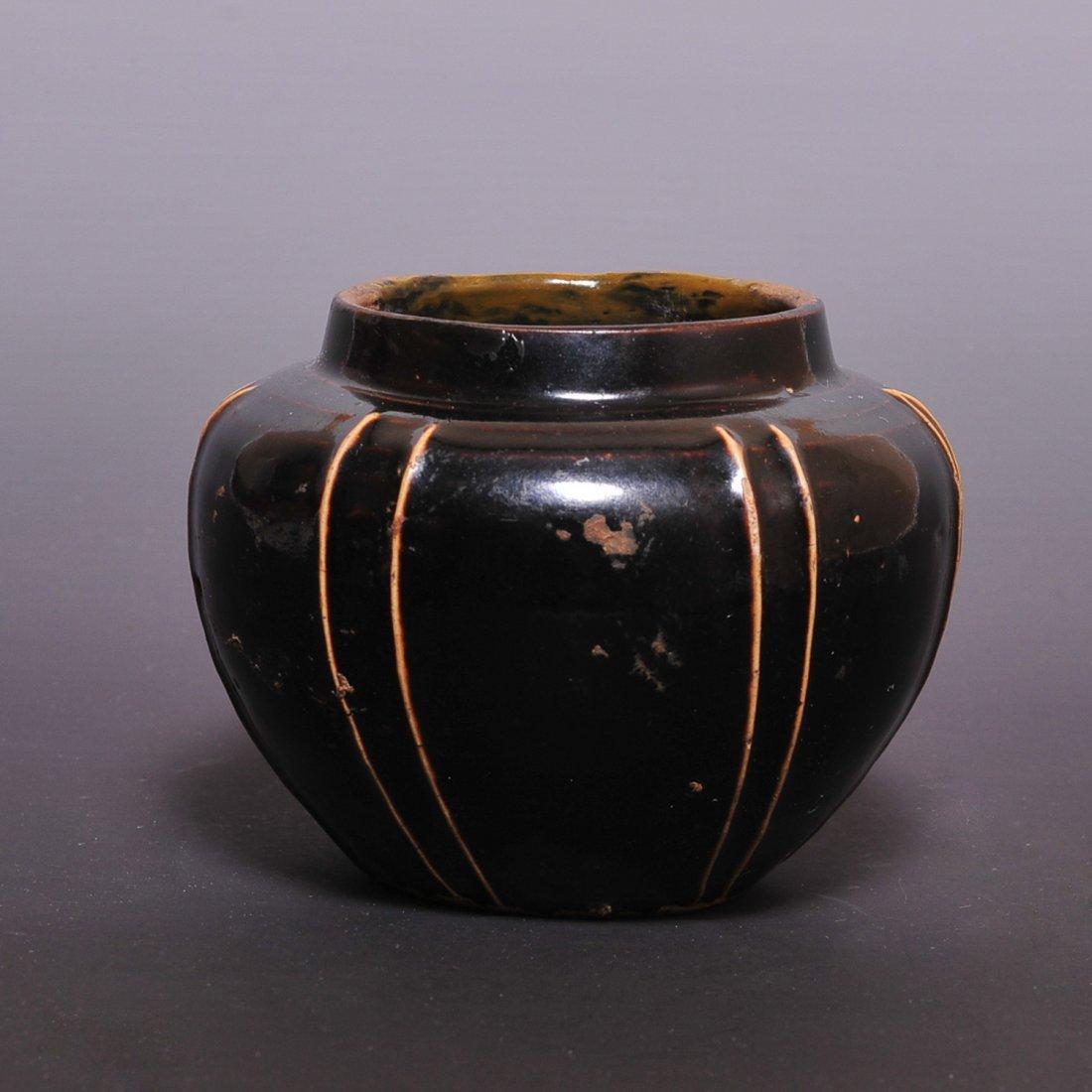 Jing Dynasty, A Cizhou ware striped can