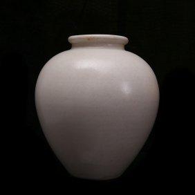 Tang Dynasty, A Xing Kiln Porcelain Jar