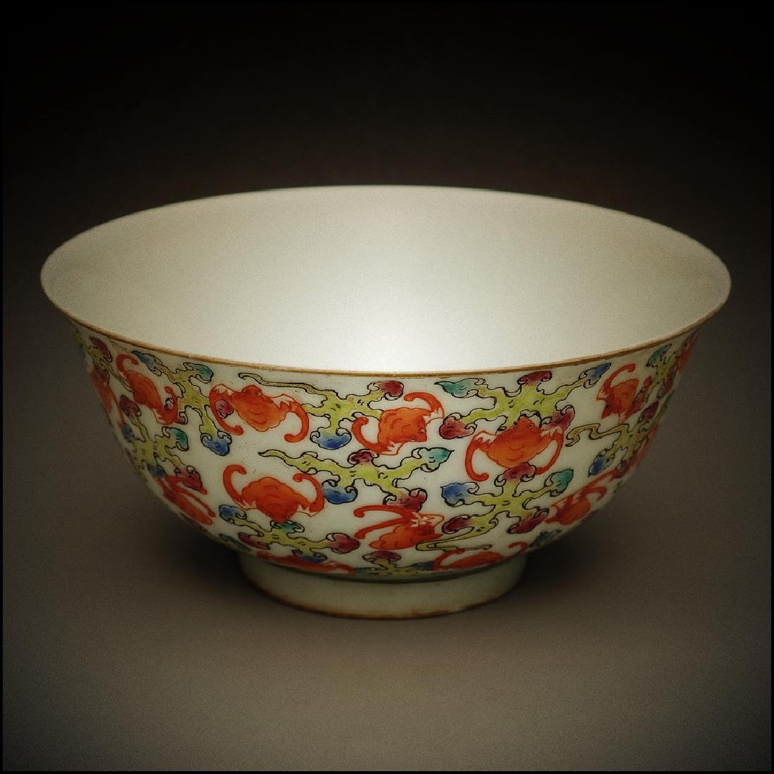 19TH QING DYNASTY FAMILLE ROSE PORCELAIN BOWL