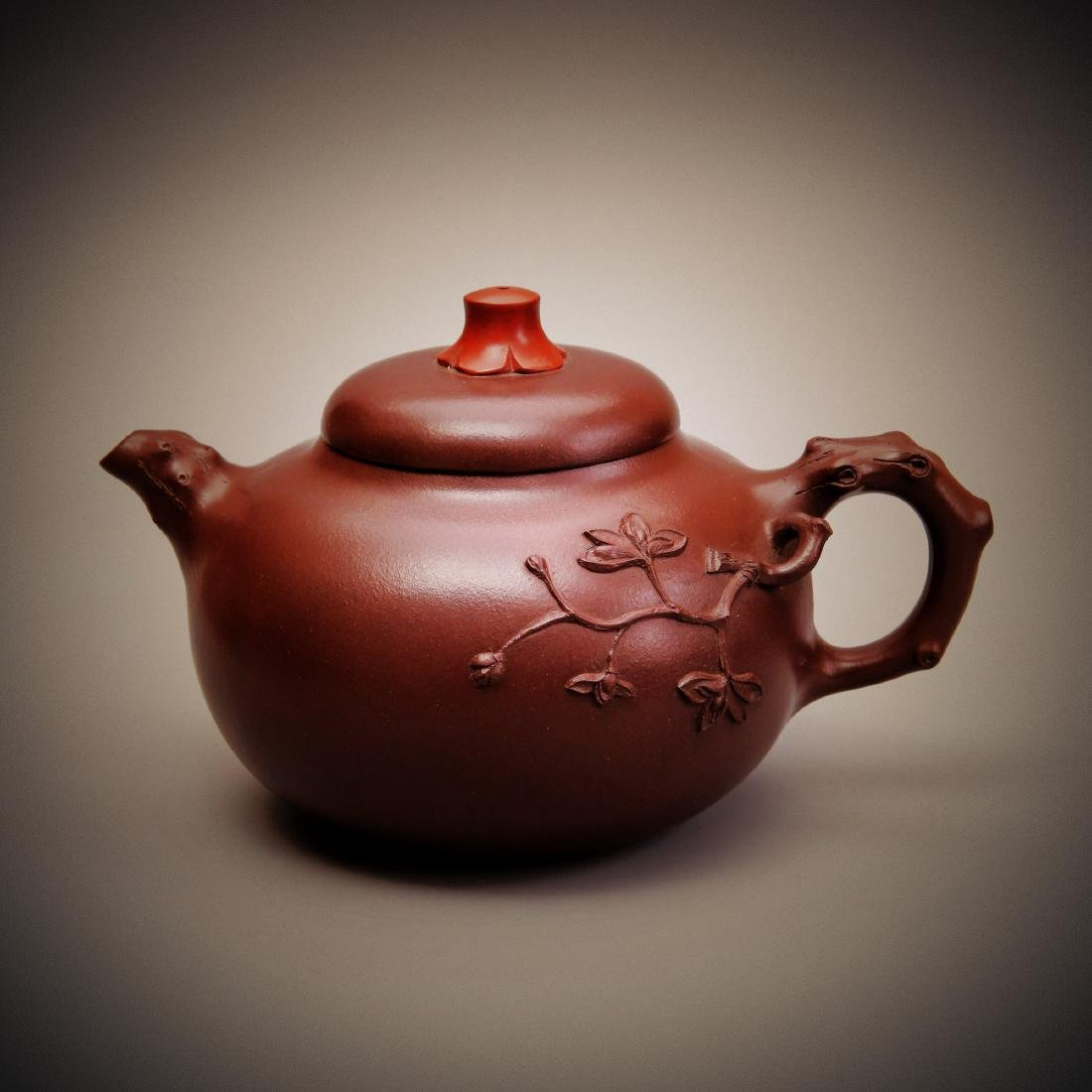 JI XIAOXI,A CHINESE CELEBRITY CARVED PURPLE CLAY TEAPOT