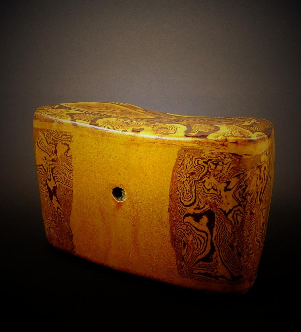 Tang Dynasty yellow glaze porcelain Headrest - 3