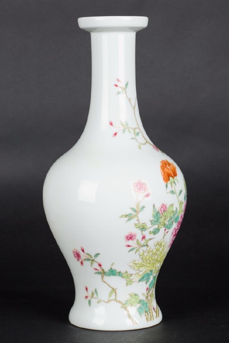 Chinese Yongzheng Famille rose olive vase - 4