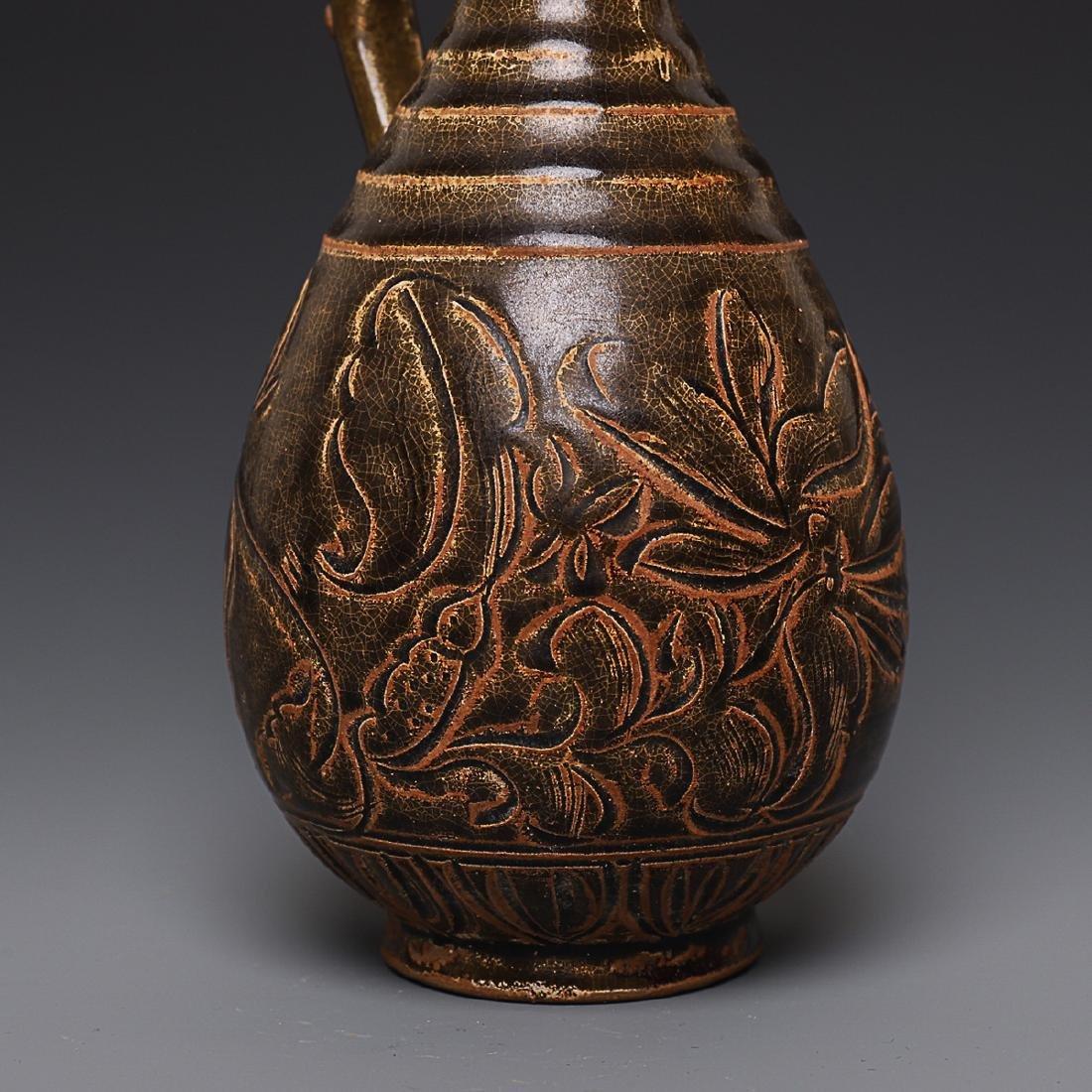 Vintage Chinese Porcelain Pot - 4