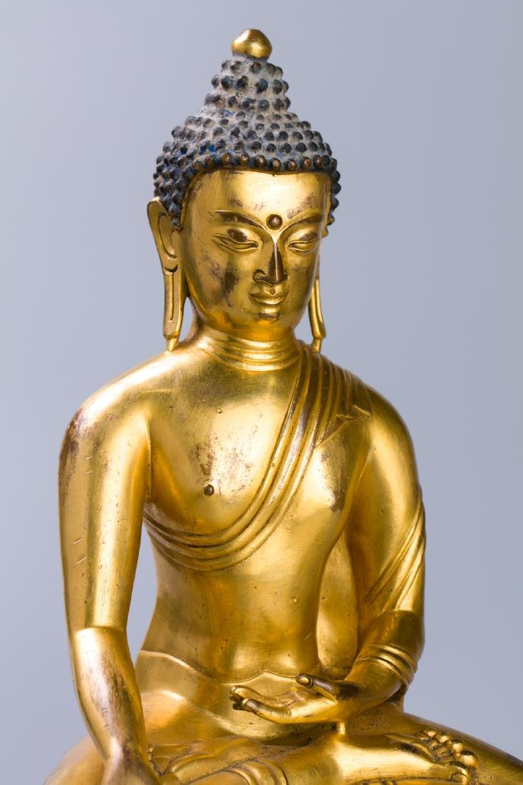 MING GILT BRONZE CROWNED SHAKYAMUNI BUDDHA - 5