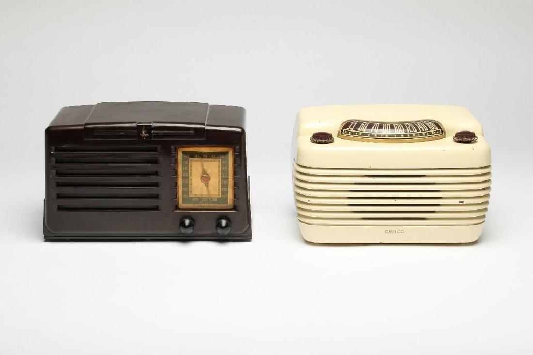 Lot 2 Vintage Tube Radios Philco Hippo Emerson Art Deco