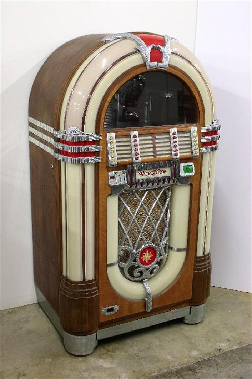 1940s Wurlitzer Juke Box Model 1015