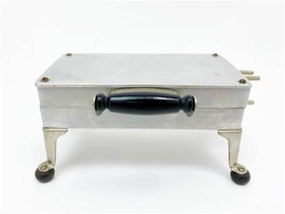 Universal Cast Aluminum Waffle Iron 1920s Model E9311