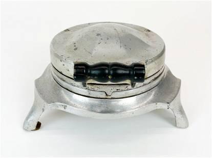 Griswold Cast Aluminum Waffle Iron 1920s Model 1-8-E