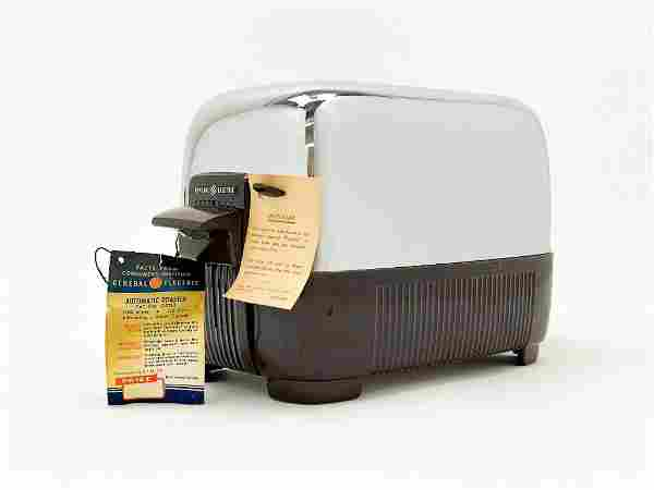 General Electric Chrome Plastic Base Toaster 1950s