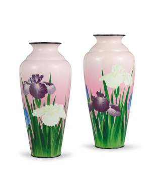 A Pair of Ginbari 'Floral' Vases, Taisho Period