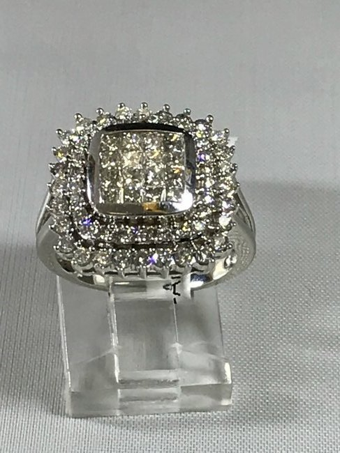 14k White Gold Ring with Diamonds - 3