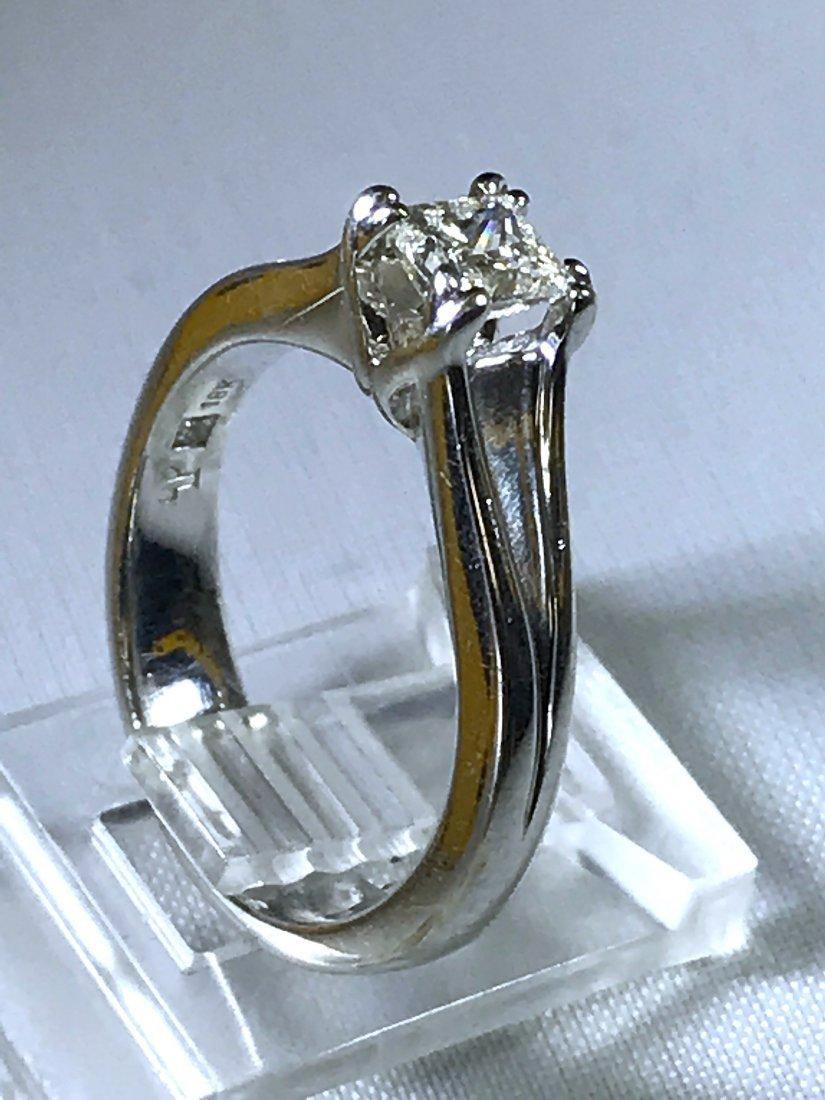 18k White Gold Ring with Diamond VS-1.