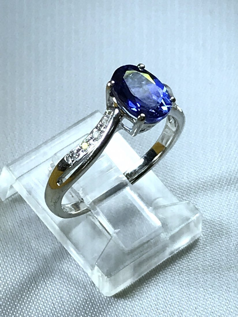 10k White Gold Ring with Diamonds and Tanzanite.