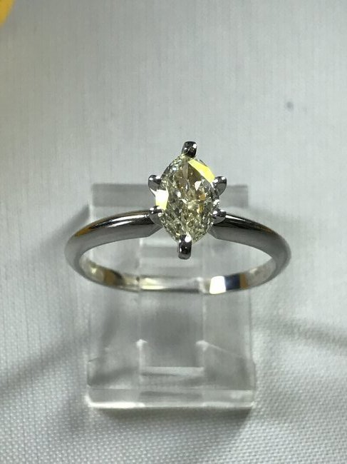 14k White Gold Ring with Diamond. - 2