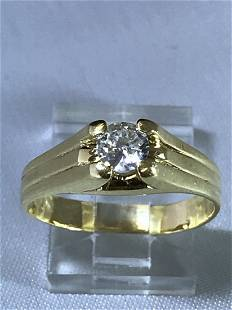 18k Yellow Ring with Diamond